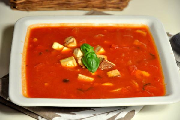Zupa pomidorowo-paprykowa z tofu