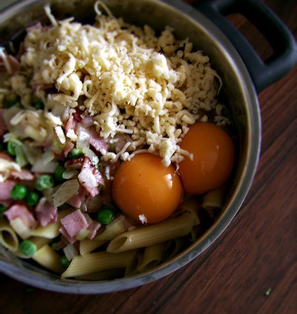 Zapiekanka z brokułami i groszkiem