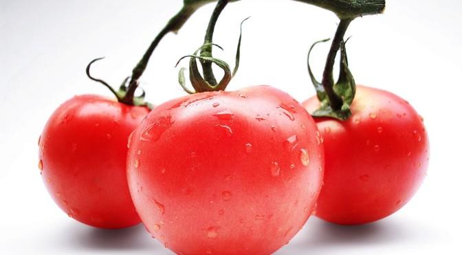 po co jesc pomidoy, jak pomidory wplywaja na zdrowie, zalety jedzenia pomidorow