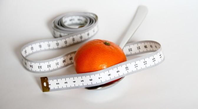 odchudzanie_centymetr_owoc