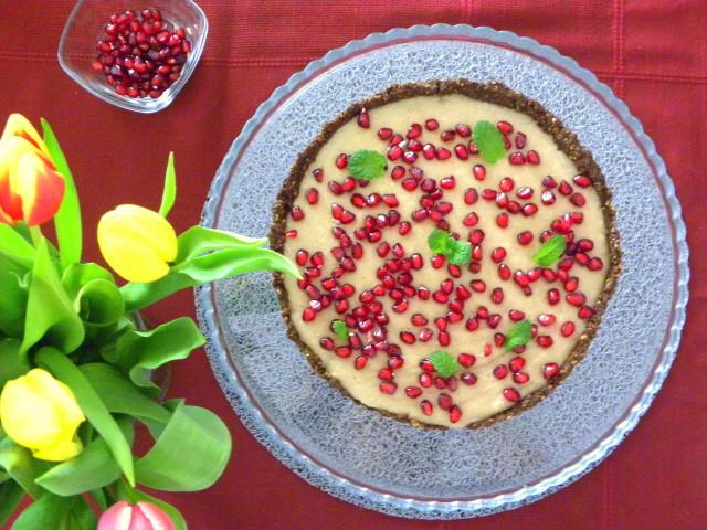 http://www.mojdietetyk.pl/cos_pysznego_zdrowego/tarta-daktylowa-z-kremem-bananowym.html